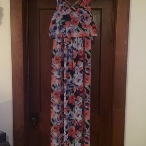 Lily Rose floral maxi dress size M
